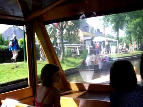 """Giethoorn is """"The Venice of the North"""" (The Netherlands)"""