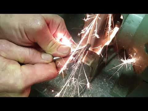 Come costruire un utensile da tornio in acciaio al carbonio per lavorare anche l'acciaio inox