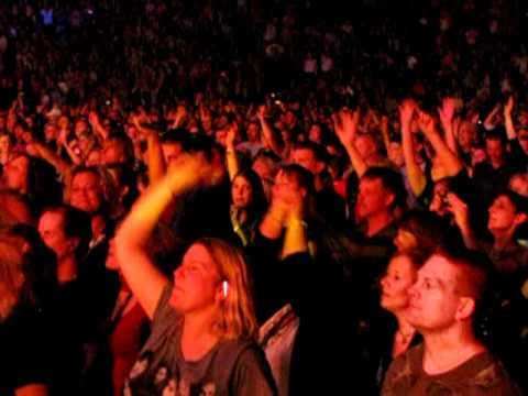 Bon Jovi / Phil X - Livin' on a Prayer - Milwaukee, WI - 5/21/2011