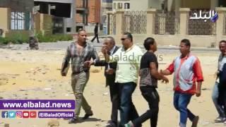 بالفيديو.. زكريا عزمي يغادر المحكمة بعد تأجيل قضية «الكسب»