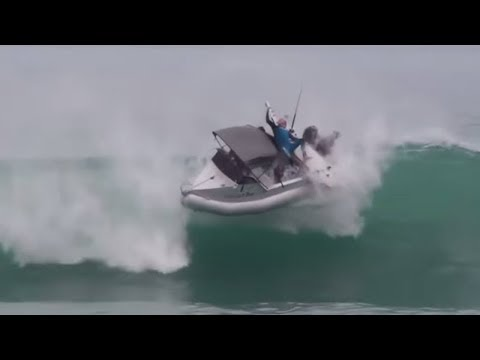 8  Massive Waves - eat Small Boats,ships