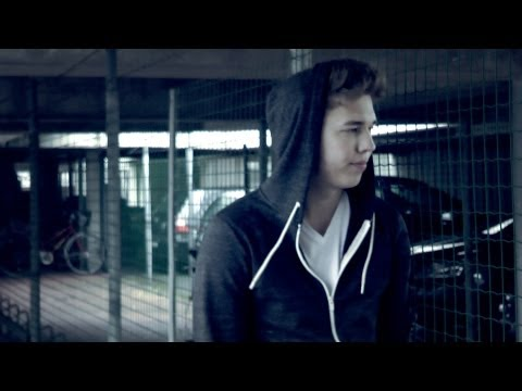 R-Win ft. Le Chef - HARTE ZEITEN [Official Music Video] HD Peine 2012