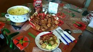 Сочная жаренная свинина с грибами и пюре картофельное