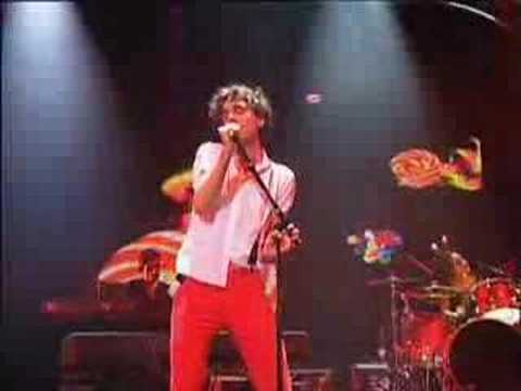 Mika - Lollipop (Live - AOL)