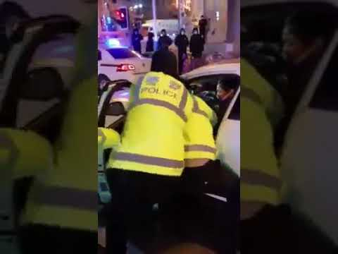Wuhan police break the neck of a lady, causing death