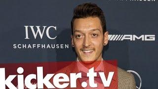 Ehrenpreis für Wohltätigkeit: Award für Messt Özil - kicker.tv