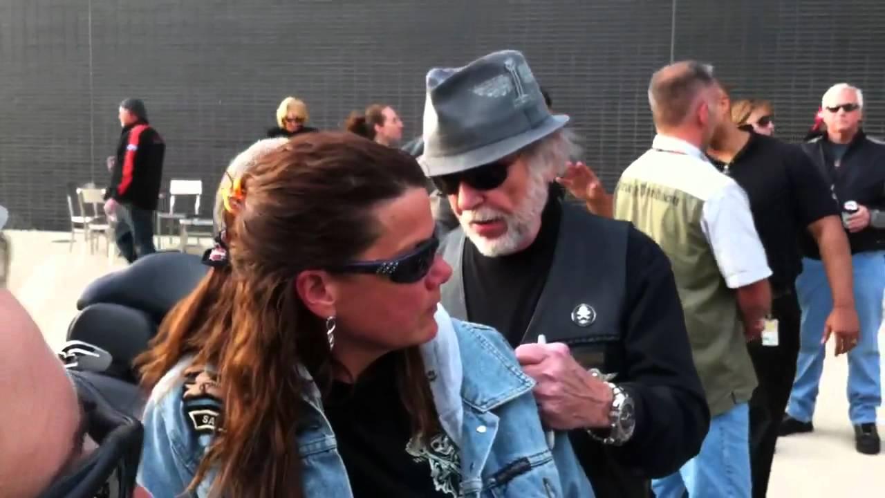 Willie G Davidson: Willie G. Davidson Visits Bike Night