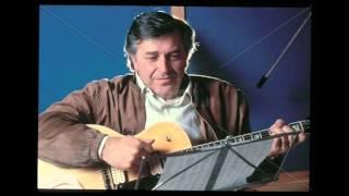 Pierangelo Bertoli - Suonando la chitarra