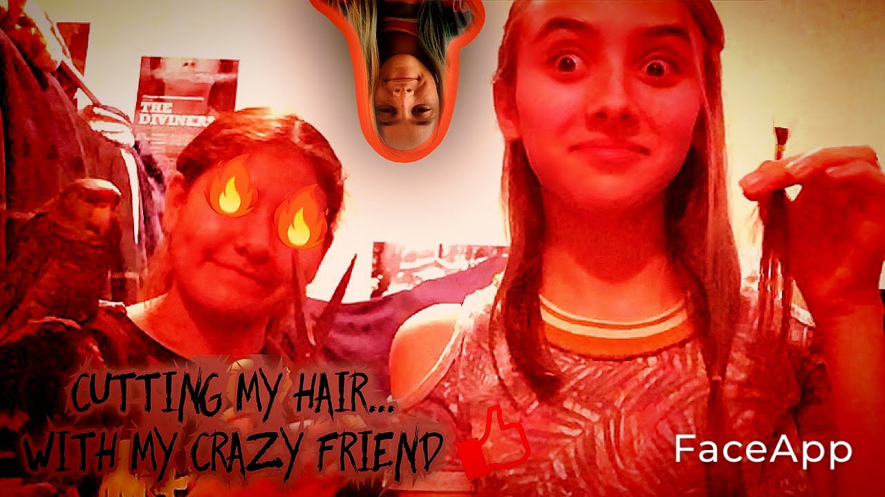 Cutting my hair... with my crazy friend 😬😳