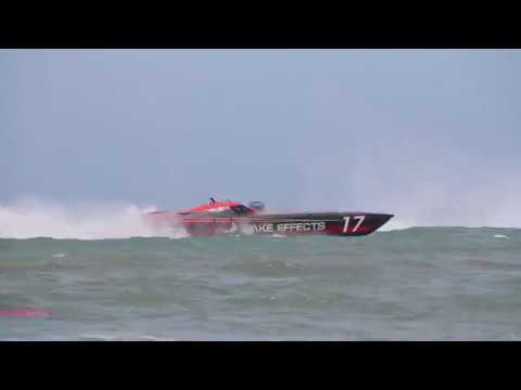 Rough Water Racing with Wake Effects Offshore Powerboat Racing