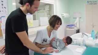 Le soin du cordon ombilical et des yeux du bébé