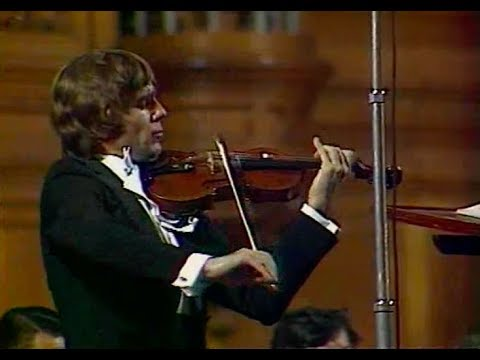 Viktor Tretyakov plays Tchaikovsky - video 1981