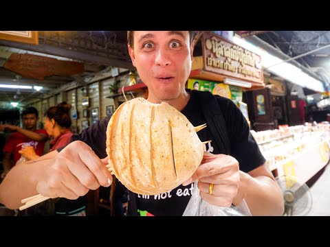 Thai Chinese Street Food - HEAD SIZED MEAT BALLS At 100-Year Sam Chuk Market! | ลูกชิ้นยักษ์