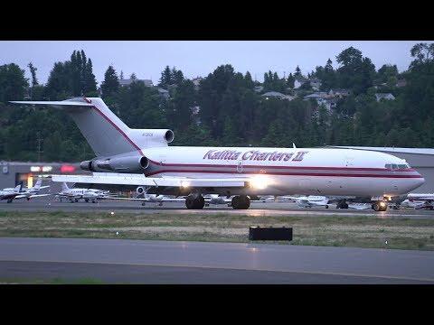 Kalitta 727 Early Morning Landing at Boeing Field