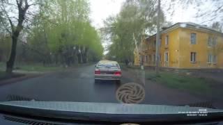 ДТП Копейск. Сбил ребёнка на зебре после чего вошёл в машину и скрылся. 4 мая 2017