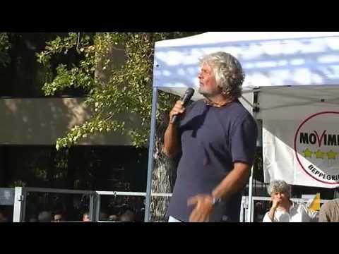 Grillo alla carica: subito al voto, Napolitano si dimetta
