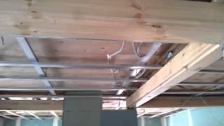 видео Высота потолков в частном доме