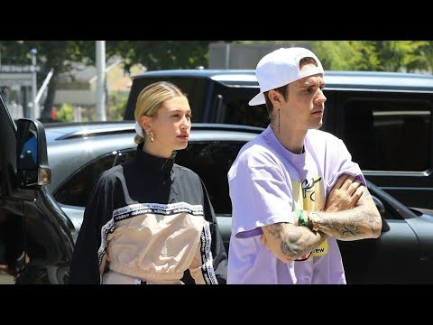 Justin Bieber and Hailey Bieber Shopping With Friends in Weho