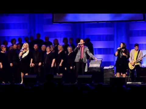 Look What The Lord Has Done - Karen Peck & New River