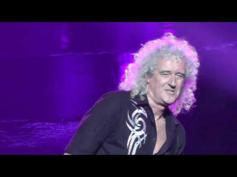 Queen+Adam Lambert 7/23/17: 4 - Fat Bottomed Girls - Uncasville, CT