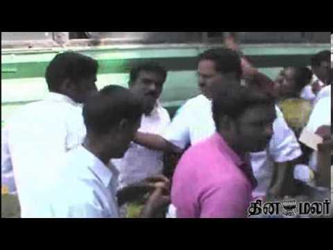Krishna Giri People Celebrate Hogenakkal water pro...