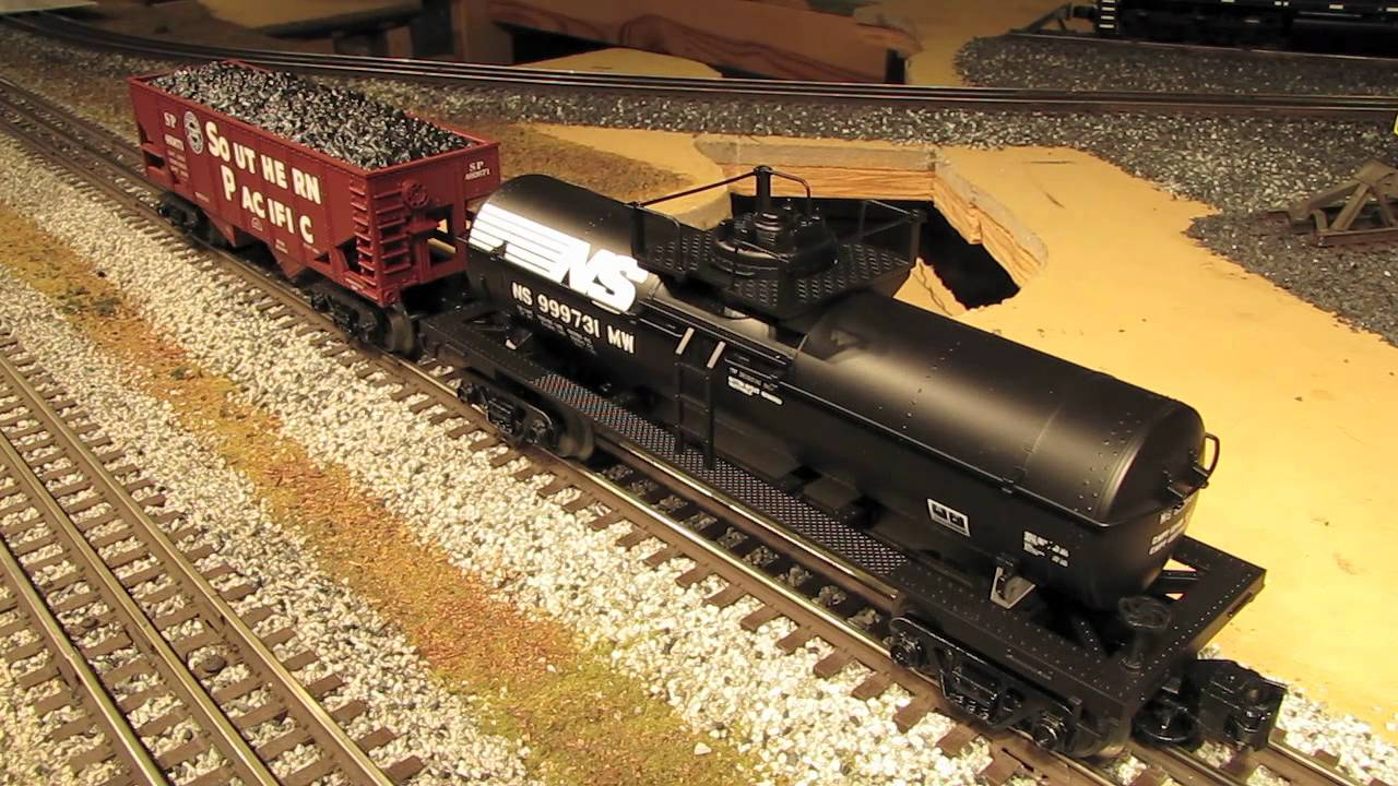 3 types of Atlas O Freight Cars Reviewed