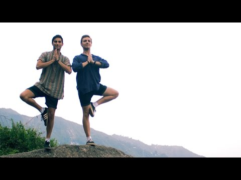 Our First Yoga Class | Dharamsala, India Travel Vlog