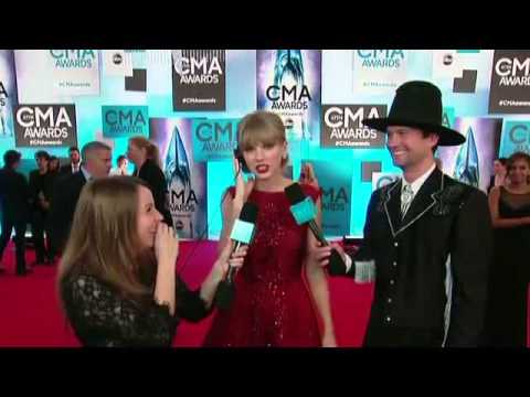 Taylor Swift on the CMA Red Carpet on Ellen show