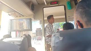 MERINDING DENGAR SUARA PENGAMEN BUS SEBERKAS SINAR