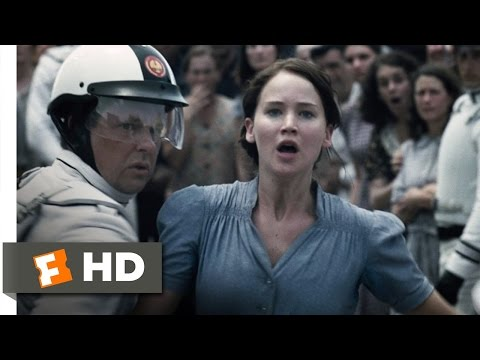 The Hunger Games (1/12) Movie CLIP - I Volunteer As Tribute! (2012) HD
