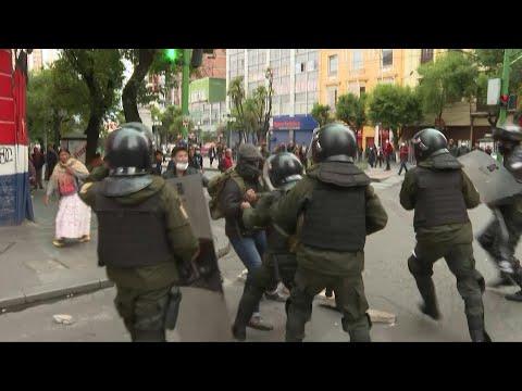 AFP: Bolivie : affrontements à La Paz au premier jour de la présidente par intérim | AFP Images
