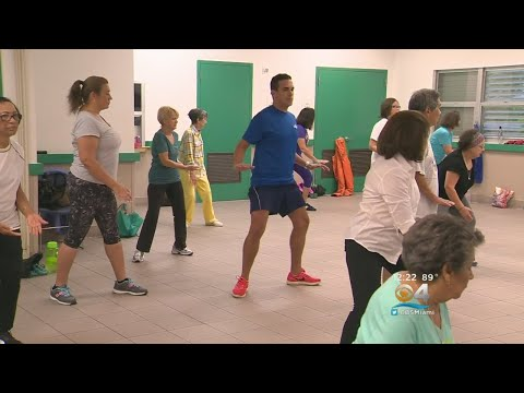 Moving U: Tai Chi Students Learn Body & Mind Exercises