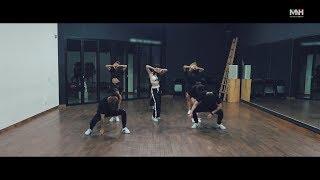 "Gambar cover 청하(CHUNG HA) - ""BB"" 안무 영상 (Dance Practice)"