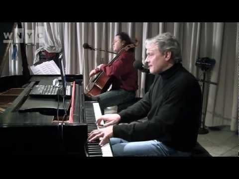 "Christopher O'Riley and Matt Haimovitz cover Arcade Fire's ""Empty Room"" Live on Soundcheck"
