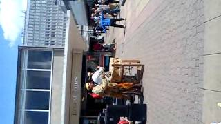 Wired man performes in harlow 2