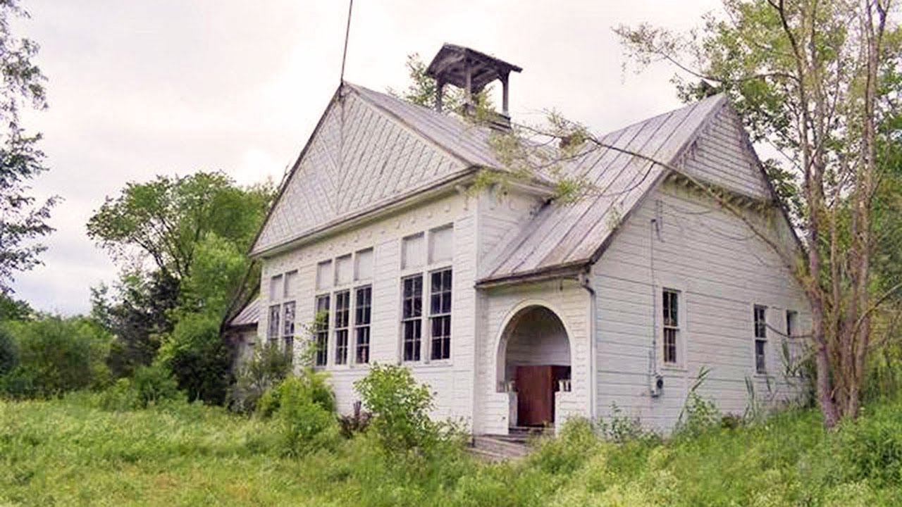 An Abandoned Schoolhouse For Sale In New York For 100 000