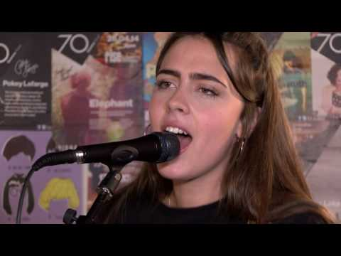 Audiophiles - Hinds -  Live at Rise Records