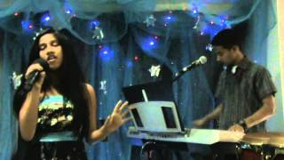 Shenali Perera Sings Seethala sulanga hamai at Ajman church X mass Programme -21 Dec  2012.mpg