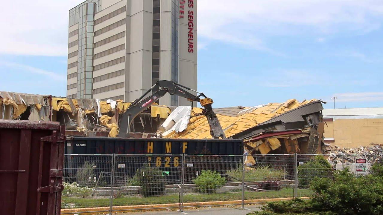Hotel St Hyacinthe Demolition