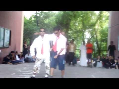 FUNNY GROUP DANCE (L2M2 REBORN F.C.R.I.T. VASHI)