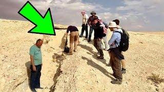 وجدوا في صحراء السعوديه شيئ لا يصدق || عندما  اخرجوه كانت المفاجأه ...!!!!!!!!!