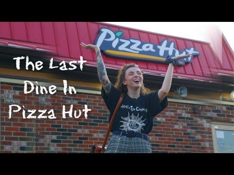 90's kids! We Found an Original Pizza Hut Still Open!