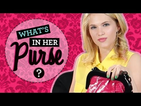 Claudia Lee Hart of Dixie: What's in Her Purse?!