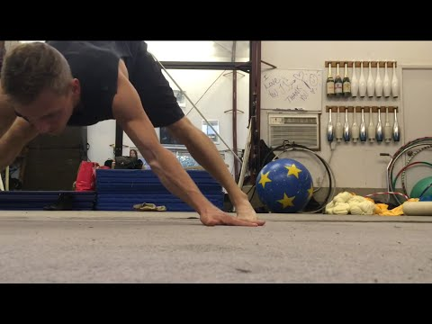 How To Do A Wide Arm Handstand Or Japanese Press