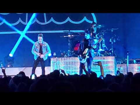 Papa Roach - Help ( Live Toledo, OH @ Huntington Center) 9/29/19