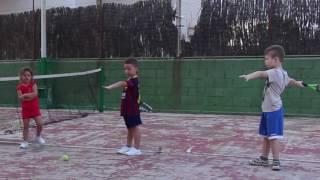 Теннис в Малград-де-Маре. Первое занятие с Георгием и Александрой. Tenis en Malgrat de Mar