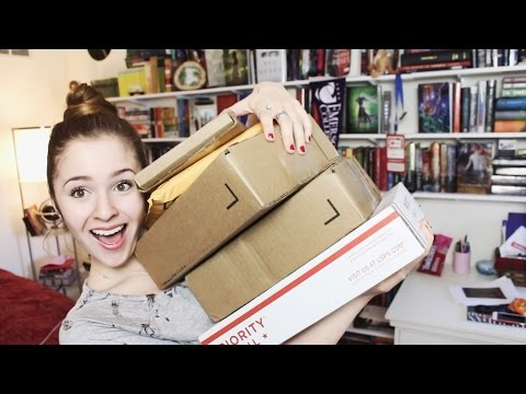 SPONTANIOUS HUGE BOOK UNBOXING!