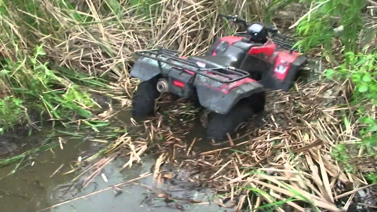 Honda Rancher 4x4 4 Wheelers Do Get Stuck In Mud Youtube