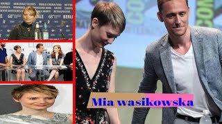 Wasikowska & Robert Pattinson | Mia Wasikowska Alice In Wonderland