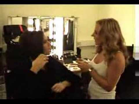 The Spice Girls - Geri and Victoria Learning German indir